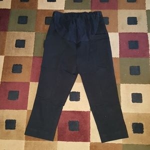 Maternity black capri pants